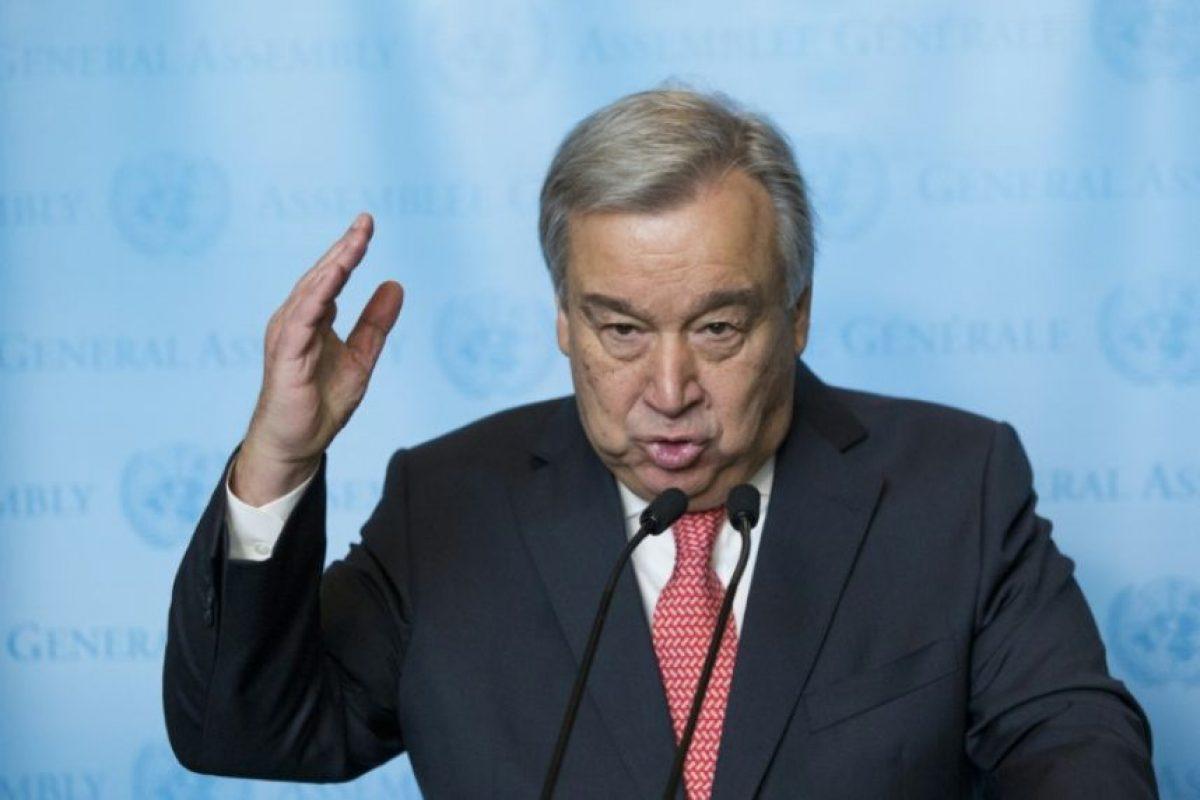 Antonio Guterres habla ante la prensa tras jurar como próximo secretario general de la ONU, este lunes 12 de diciembre en Nueva York Foto:Eduardo Muñoz Álvarez/afp.com