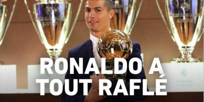 La publicación hizo oficial que Cristiano Ronaldo se quedó nuevamente con el trofeo que lo acredita como el ganador del galardón. Foto:L'EQuip