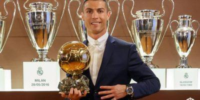 La publicación hizo oficial que Cristiano Ronaldo se quedó nuevamente con el trofeo que lo acredita como el ganador del galardón. Foto:realmadrid.com