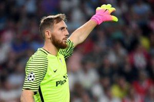 El arquero esloveno del Atlético de Madrid tendrá que ser operado de su hombro izquierdo. Foto:AFP