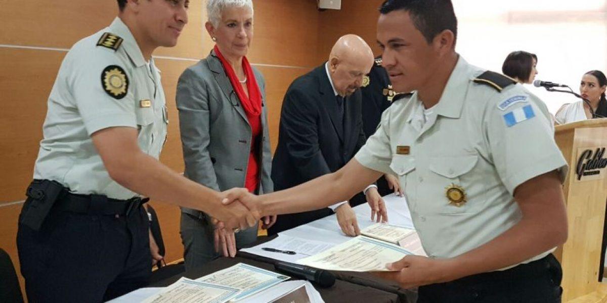 La Policía de Guatemala llegará a 37 mil agentes con la graduación de 2 mil uniformados