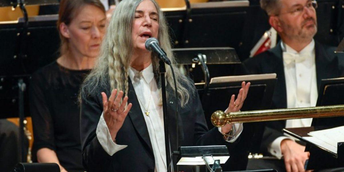 Patti Smith asegura que no olvidó la letra de canción de Bob Dylan
