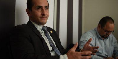 El ministro de Energía y Minas, Luis Chang, conversa con Publinews Foto:Edwin Bercián