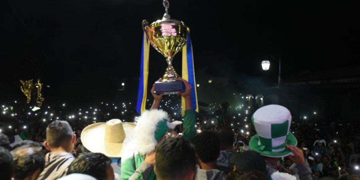 ¡La ciudad colonial celebra a su campeón!