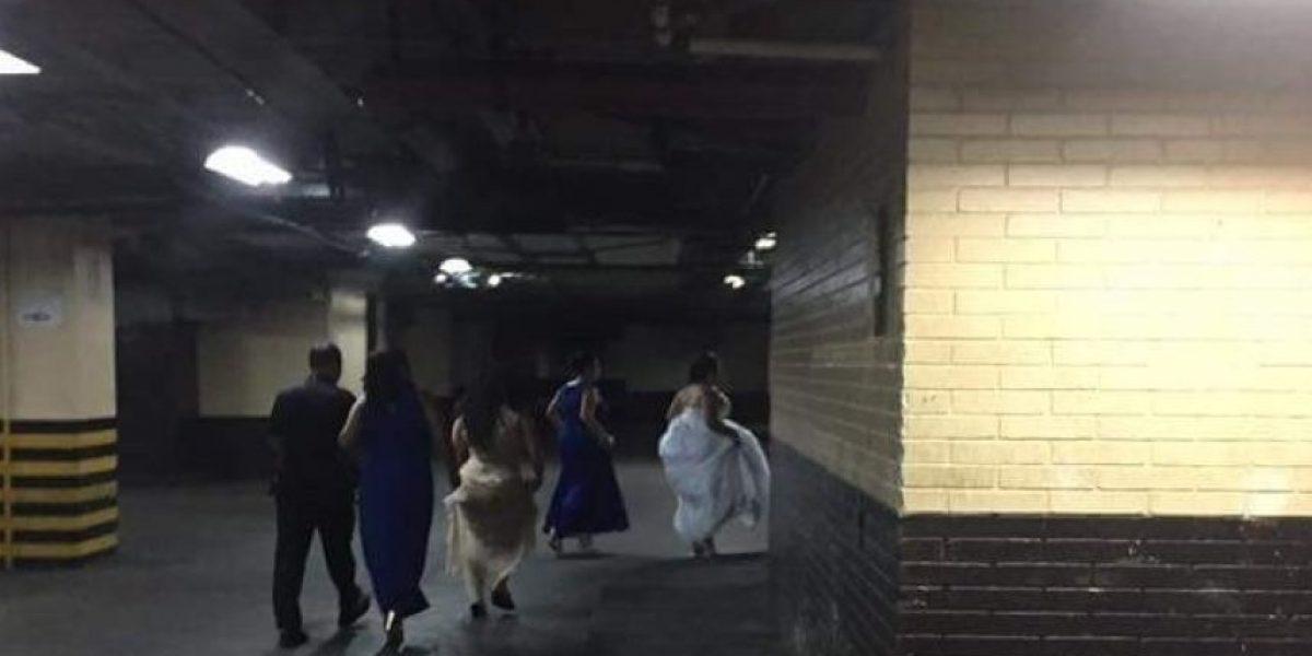 Se comparten las fotografías de una novia que acudió el domingo a Tribunales en busca de su prometido