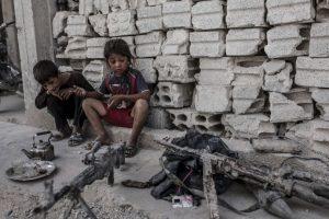 Pero no debemos olvidar cómo es que Irak llegó a ese extremo: tras una guerra liderada por EE. UU. que depuso a un dictador, pero provocó una ocupación abusiva y una guerra civil cruenta, con un saldo de más de un millón de muertos. Foto:AFP