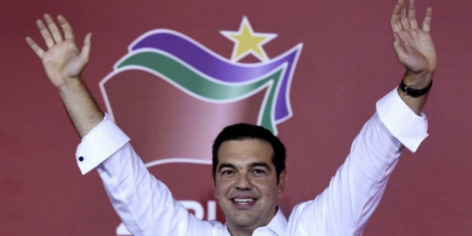 Sin embargo tras su renuncia gano su reelección con el 35 por ciento de los votos, o sea 144 escaños en el Congreso. Foto:AFP