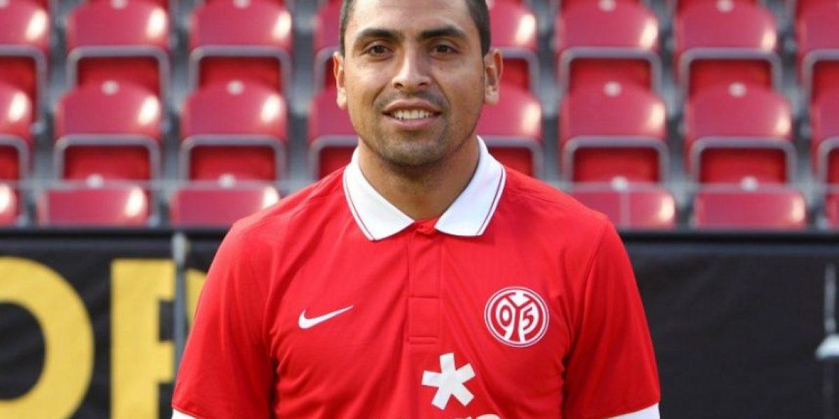 El chileno Jara podría quedarse sin club por el incidente con Cavani