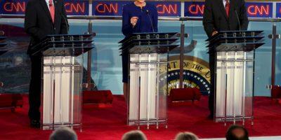 Los candidatos Scott Walker, Carly Fiorina y John Kasich en ese orden. Foto:AFP
