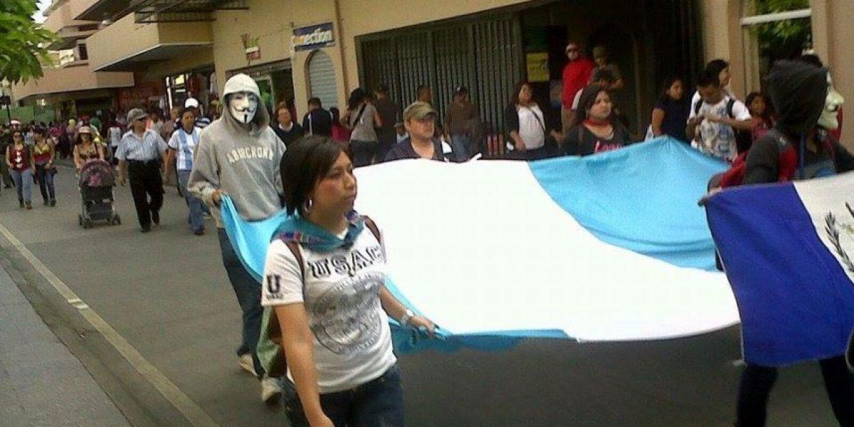 Indiferentes y callados ¡NUNCA MÁS! Anonymous realiza este sábado #MarchaDeLaDignidad