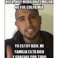Hubo memes recordando el video en el que el futbolista Arturo Vidal explica su estado después de chocar, durante la pasada Copa América, jugada en el país Foto:Instagram.com/explore/tags/fuerzachile/