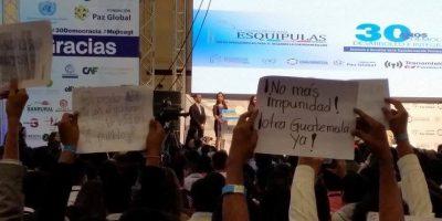 """Frente a """"Pepe"""" Mujica, rechazan los actos de corrupción en Guatemala"""