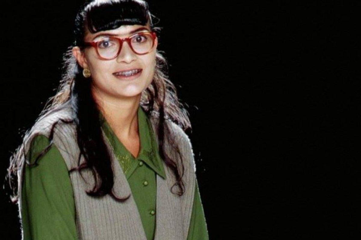 """Así lucía como """"Beatriz Aurora Pinzón Solano"""" en la telenovela """"Yo soy Betty, la fea"""" Foto:facebook.com/anamariaorozcofc"""