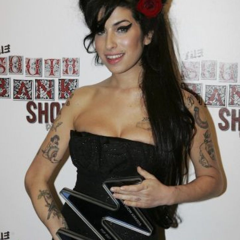 "En el video, Amy Winehouse canta ""Happy Birthday"" para su amiga Lauren Gilbert. Foto: Getty Images"