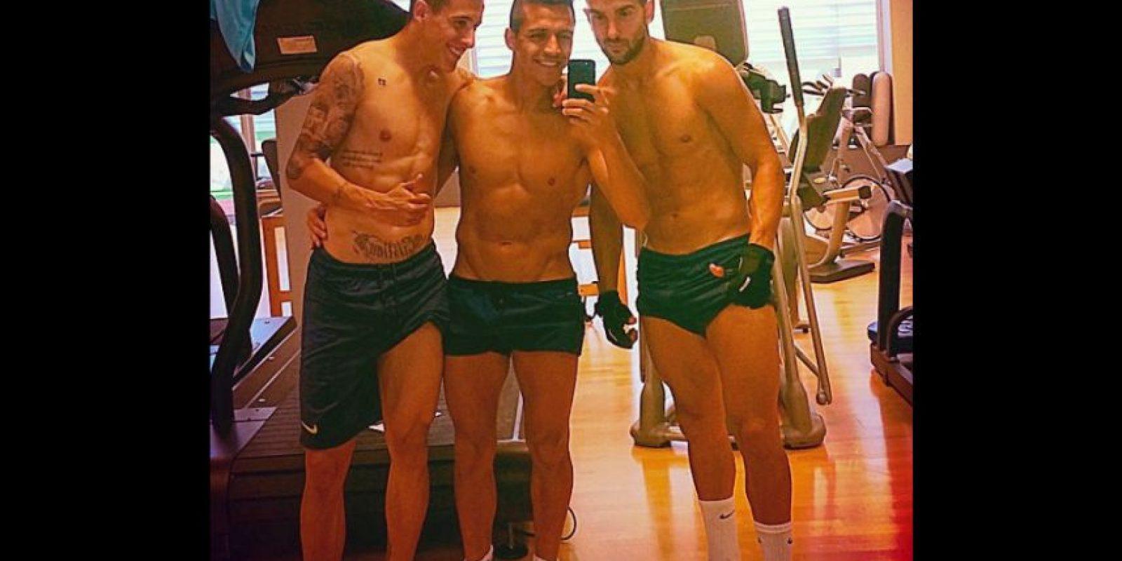 De algunas temporadas a la actualidad, Alexis Sánchez se ha esmerado más en tonificar su cuerpo. Sus frecuentes fotos en Instagram lo confirman. Foto:Vía instagram.com/alexis_officia1