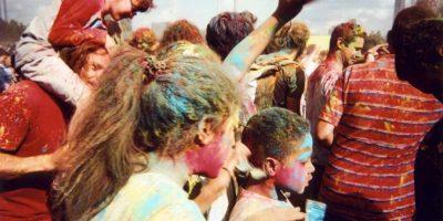 """""""Festival de color"""" es la imagen del mes de junio en el calendario 2016 Foto:Cafe Art – Goska Calik"""