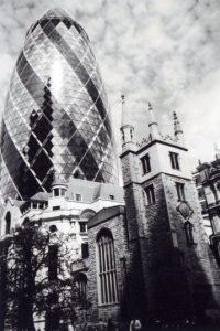 """""""Pasado y presente en la ciudad de Londres"""", ilustra el mes de mayo Foto:Cafe Art – Ioanna Zagkana"""