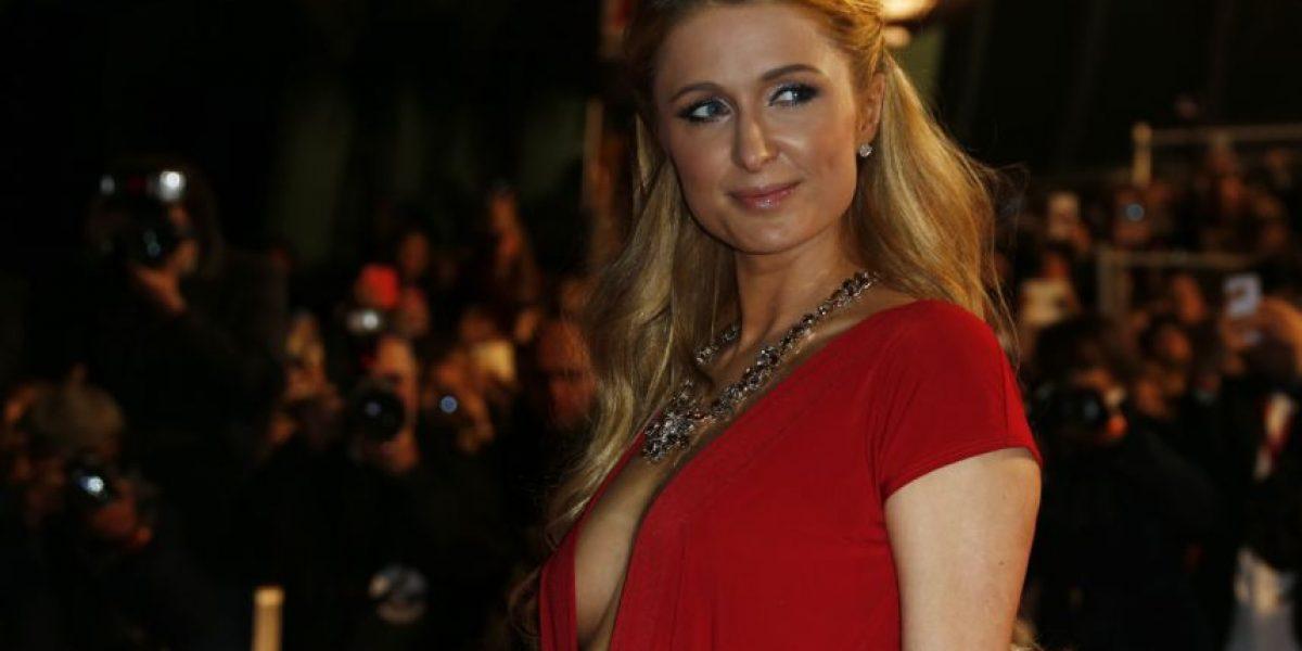 Fotos: El escote de Paris Hilton en Francia