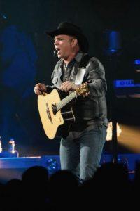 Por su parte, el cantante y compositor de country, Garth Brooks, generó una suma de 90 millones de dólares. Foto:Getty Images