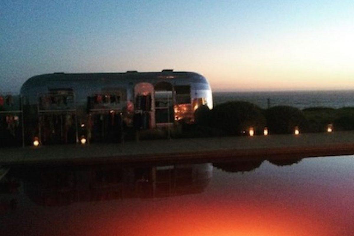 """La """"diva del pop"""" pintó su piscina de color sangre para la fiesta temática que organizó para la producción de la serie. Foto:Instagram/ladygaga"""