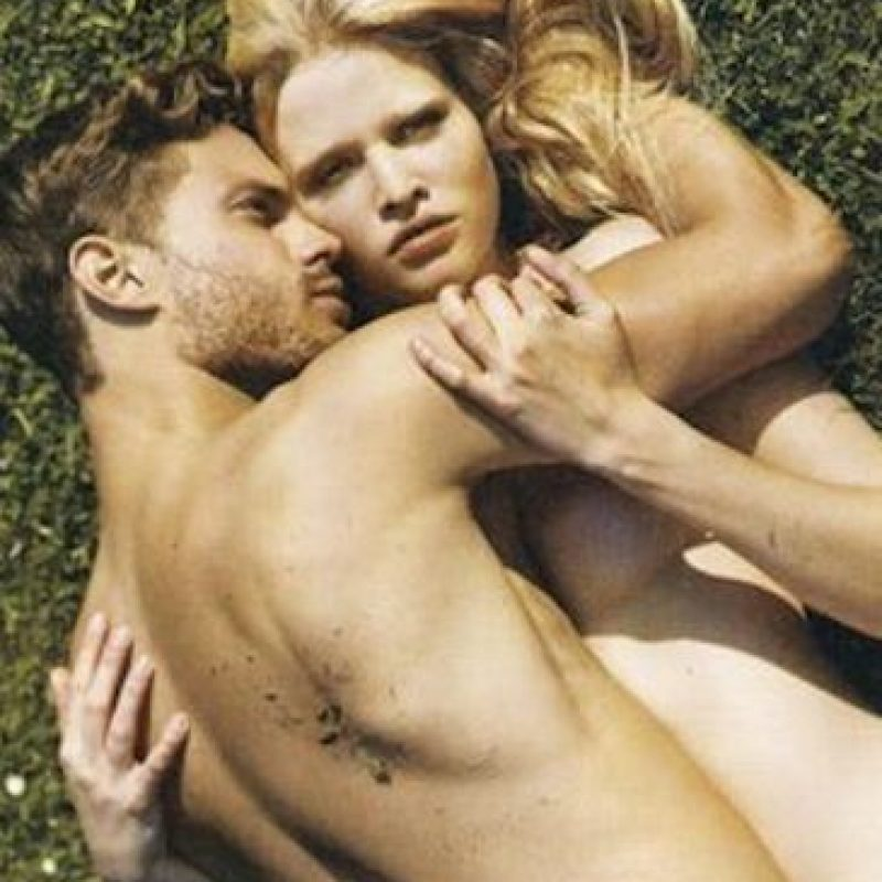 """El protagonista de """"50 Sombras de Grey"""" y la holandesa posaron sin ropa para la revista """"i-D"""". Foto:i-D Magazine"""
