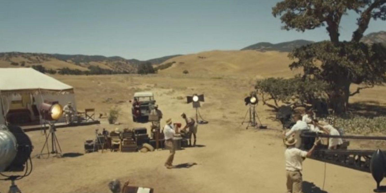 """El nuevo clip, que se desarrolla en África, ha sido acusado de mostrar la """"fantasía de la colonia africana"""". Foto:vía YouTube/TaylorSwift"""