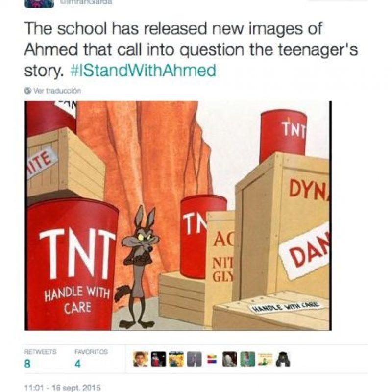"""""""La escuela publicó nuevas imágenes de Ahmed que dejan sin dudas la historia del niño"""". Foto:Twitter.com"""