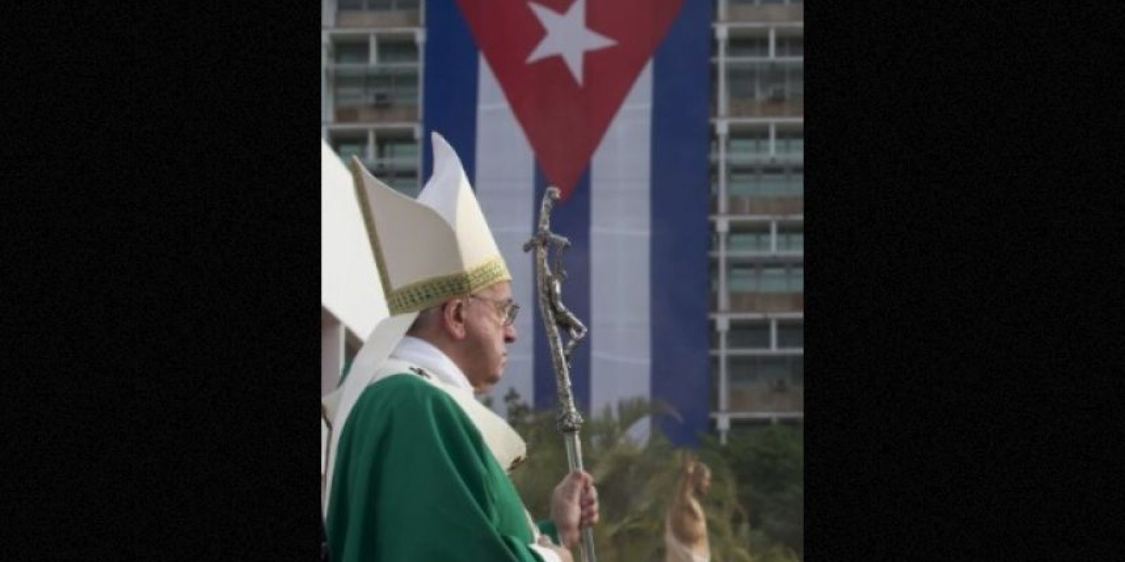 La misa oficiada en la Plaza de la Revolución Foto:AFP