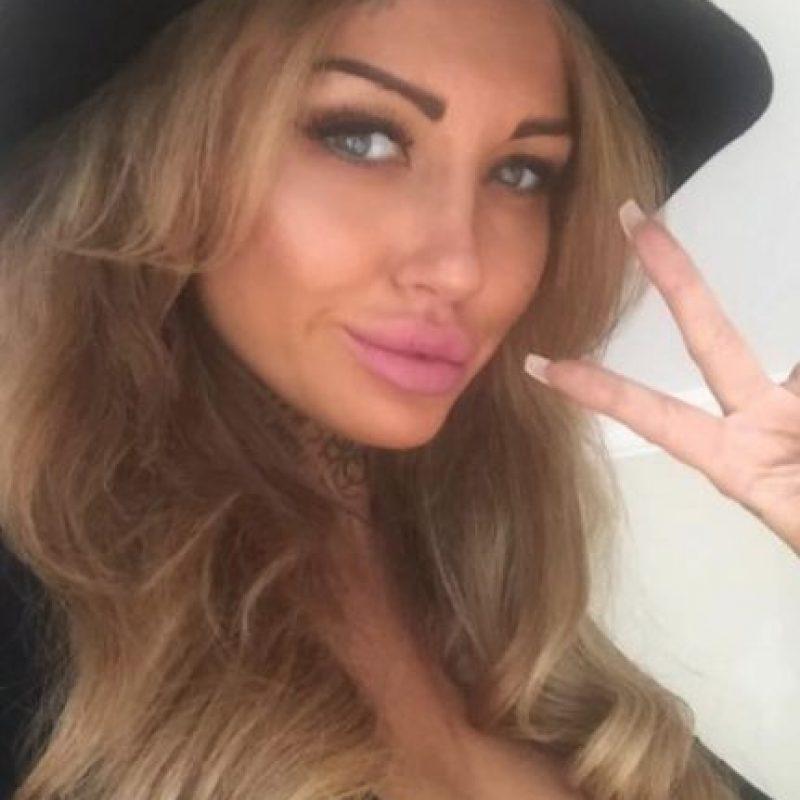 """Sallie Axl es una modelo británica que saltó a la fama por su aparición en el reality show """"Big Brother"""" Foto:vía facebook.com/SallieAxl"""