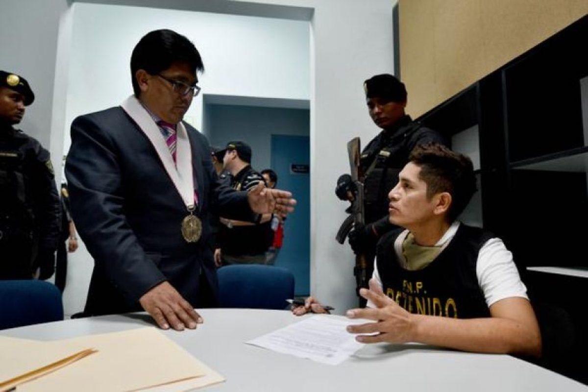 Estas fueron imágenes de su extradición a Perú Foto:Vía Twitter.com/mininterperu