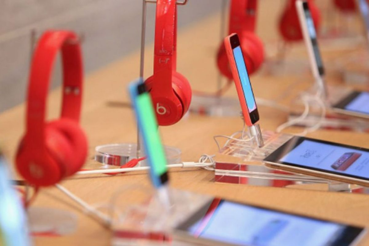 Disfrutar de sus canciones favoritas en Internet no es muy económico. Foto:Getty Images