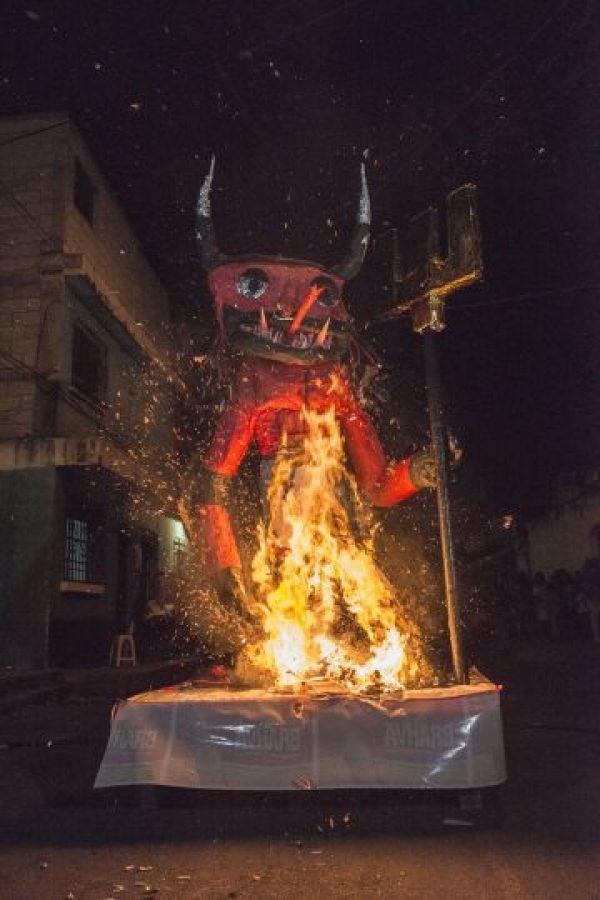 Poco de más de tres minutos para que se quemara. Foto:Oliver de Ros