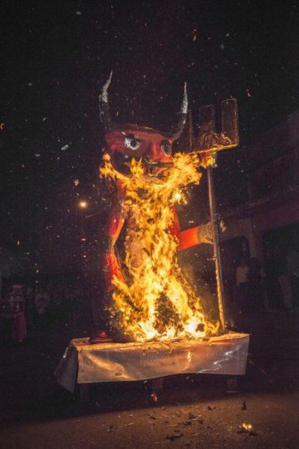 Demonio ardió en la zona 3. Foto:Oliver de Ros