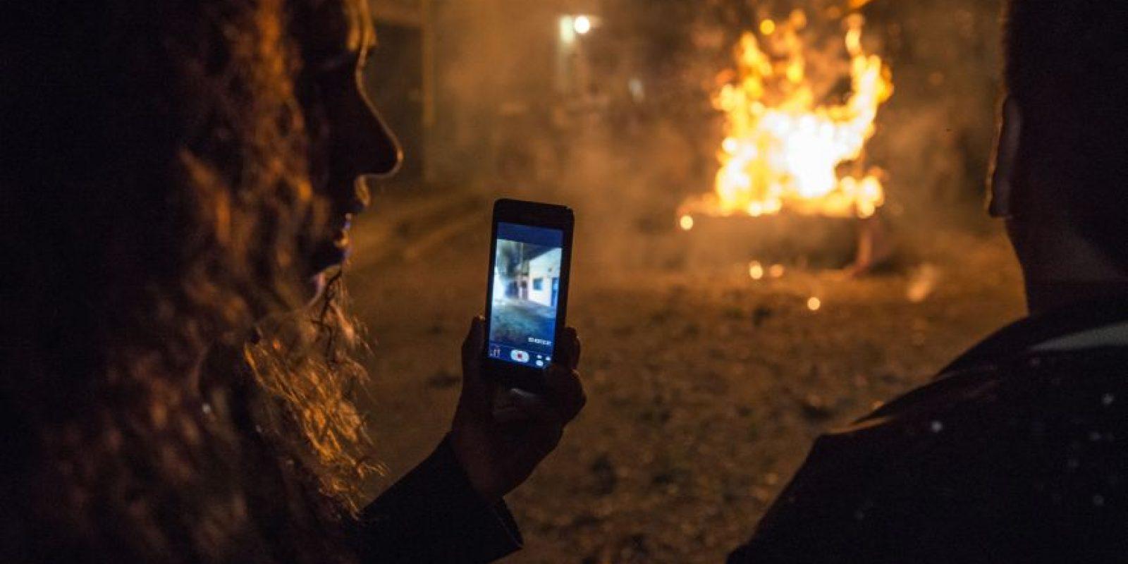 La quema del Diablo ha sido viral en las redes. Foto:Oliver de Ros