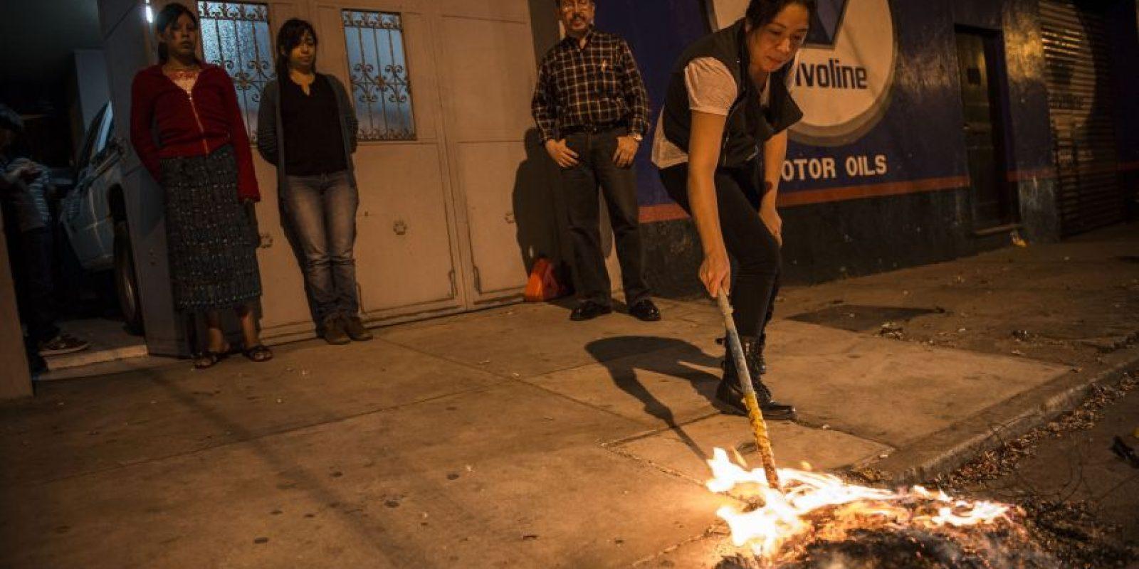 Hasta la basura fue quemada. Foto:Oliver de Ros