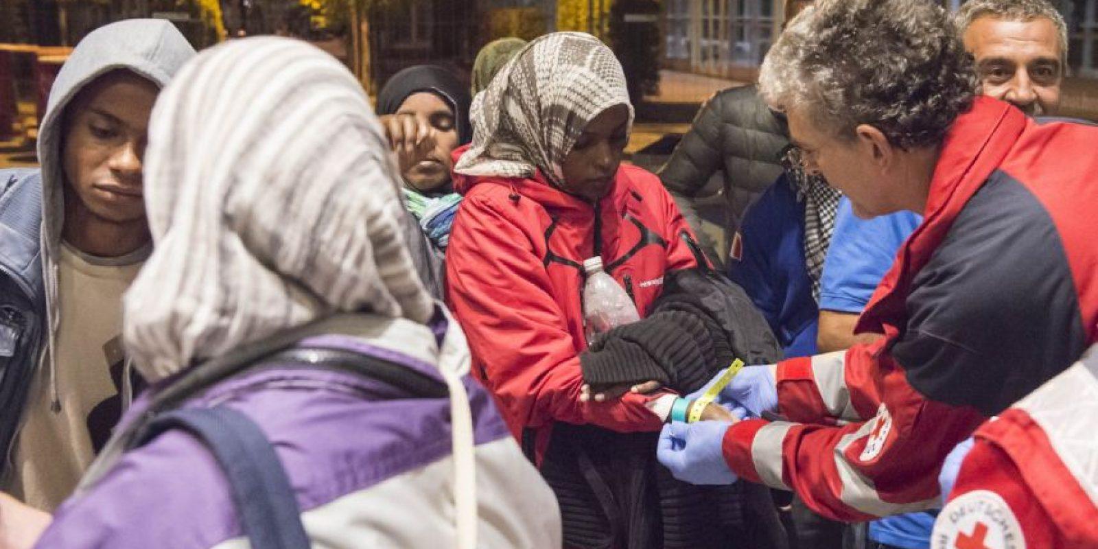 La canciller Angela Merkel ha pedido a los países vecinos mostrar solidaridad. Foto:AP