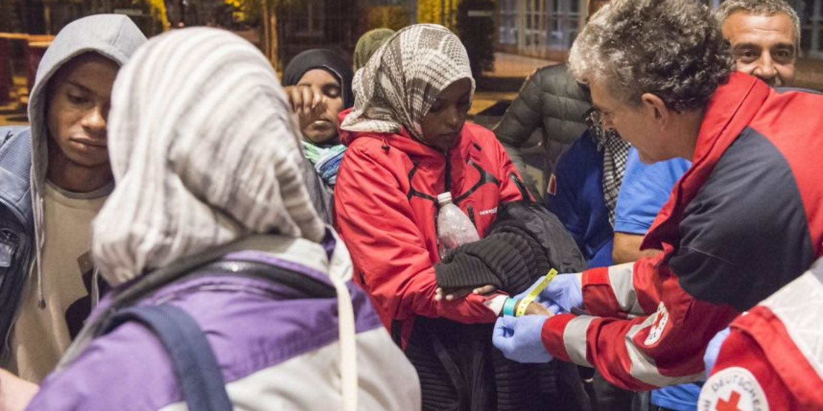 El gobierno alemán decidió el domingo cerrar temporalmente las fronteras a migrantes. Foto:AP