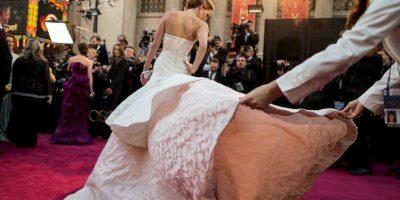 10. En la gala, su vestido de Alta Costura de Dior la hizo tropezarse en las escaleras al subir por su premio. Foto:Getty Images