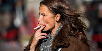 Argentina se volverá el primer país latinoamericano con una ciudad que prohíbe fumar en espacios al aire libre. Foto:Getty Images
