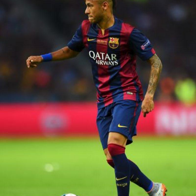 Sin embargo, Neymar tiene contrato con el Barcelona hasta 2016 y una cláusula de recisión de 190 millones de euros. Foto:Getty Images