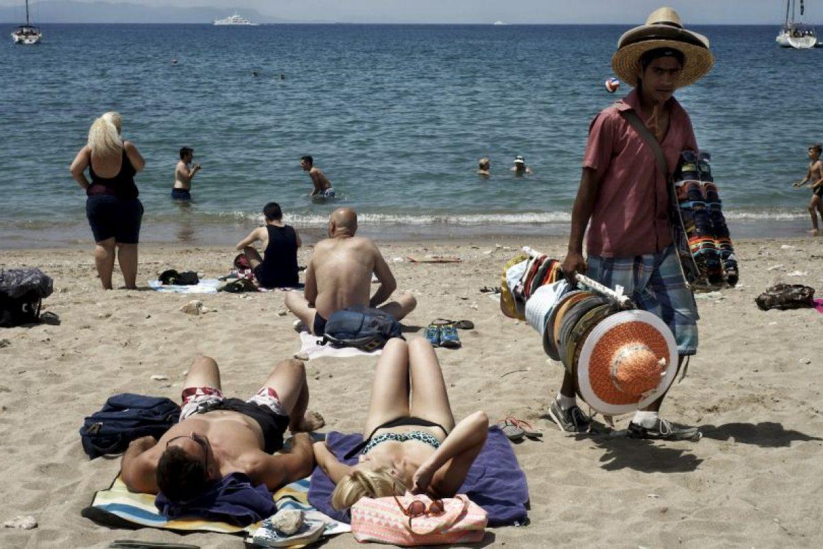5. No se podrán obtener adquirir bienes y servicios con las tarjetas de crédito y débito griegas fuera del país. Foto:Getty Images