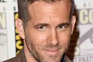 """Ryan Reynolds reveló a la revista """"GQ"""" que descubrió a uno de sus mejores amigos tratando de verder imágnes de su pequeña hija. Foto:Getty Images"""