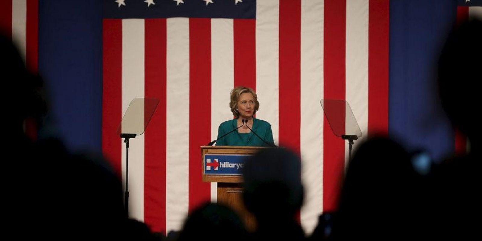 Clinton aseguró que ella no recibió, ni envió algún correo con contenido clasificado, también declaró que está tratando de ser lo más transparente posible sobre sus acciones. Foto:Getty Images