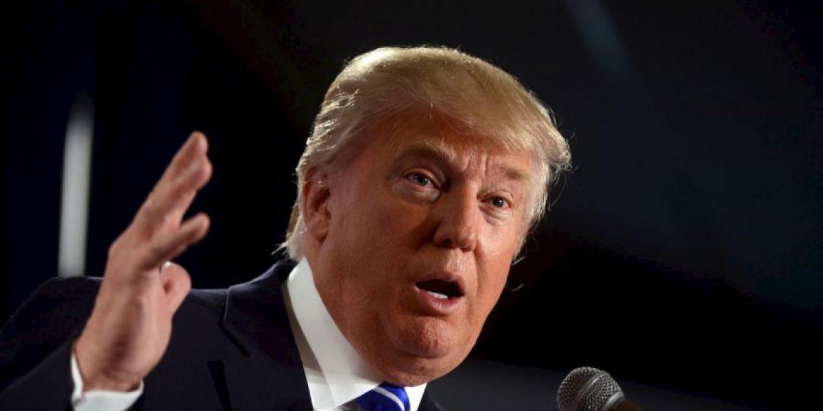 Critican a Donald Trump por no corregir alegación de que Obama es musulmán