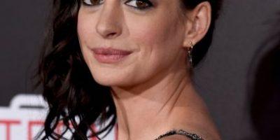 El sugerente look de Anne Hathaway que dejó al descubierto sus encantos