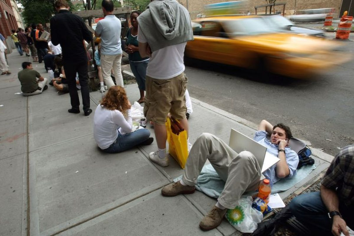 Así esperaban la apertura de tiendas. Foto:Getty Images