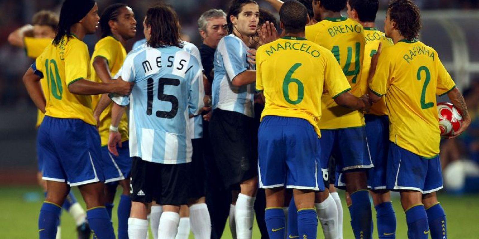 En los Juegos Olímpicos de 2008, Argentina se impuso en las semifinales 3-0 ante Brasil. Foto:Getty Images