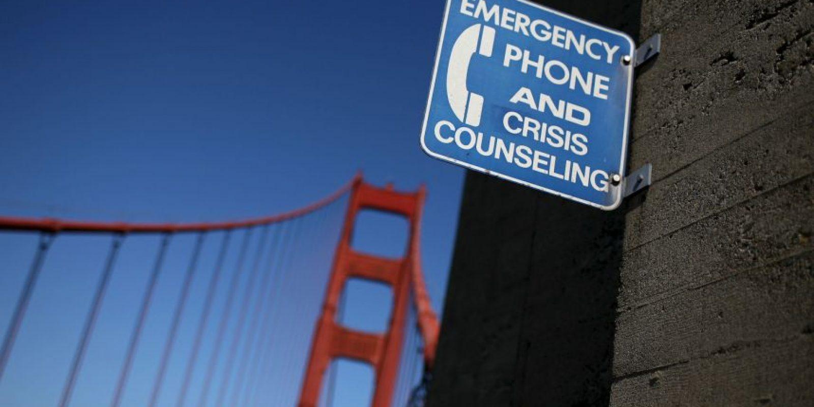 Más personas mueren por suicidio cada año, que por homicidio. Foto:Getty Images