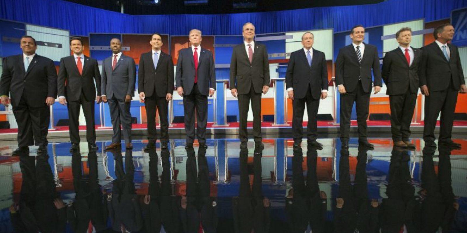 """6. Durante días la cadena CNN ha promocionado el debate con las imágenes de Trump y Bush, además de utilizar el eslogan: """"Esta vez no va a ser suave"""". Foto:AP"""