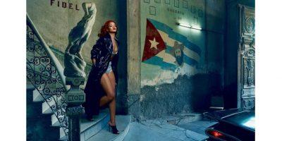 FOTOS. Rihanna se quita la ropa para Vanity Fair y así luce